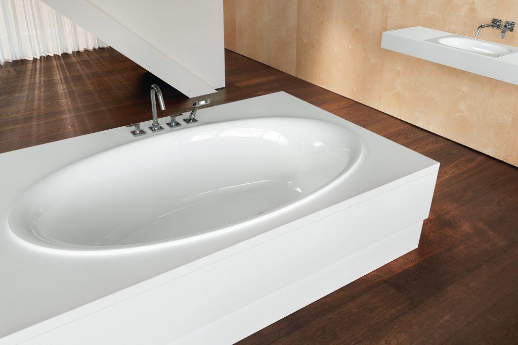Bette Oval built in bath